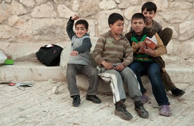 Israel sigue vulnerando los derechos humanos al demoler las escuelas palestinas