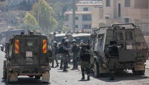 Hoy: 53 heridos por disparos de las fuerzas de ocupación israelíes en el campamento de Al-Amari en Ramallah. Una mujer y varios jóvenes fueron arrestados