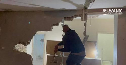 Para implementar su plan expansionista, la ocupación obliga a los ciudadanos a demoler una casa y un restaurante en Jerusalén ocupada